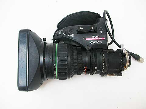 ENG motorised zoom Canon 8x16 with 2x extender, 35mm equivalent 32x512mm • Metabones Speed Booster